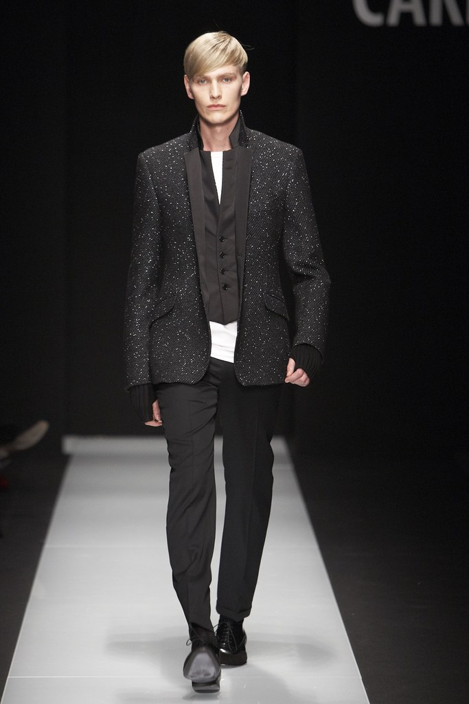 Gerhard Freidl3244_FW11_Milan_Carlo Pignatelli Outside(Simply Male Models)