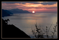 IMG_9905 The observer (jaro-es) Tags: españa sol beach nature canon mar spain meer playa natura sonne spanien wow1 spanelsko eos450 artistoftheyearlevel3