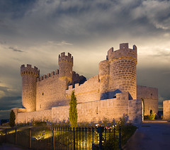 OLMILLOS de SASAMÓN (BURGOS) (castillerozaldívar) Tags: españa castles spain medieval burgos castillo castillayleón castillerozaldivar manuelzaldívar castillodeolmillosdesasamón castillosdecastillayleón