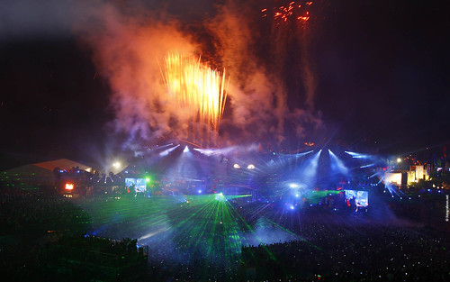 Tomorrowland 2011 - Wallpaper (1920x1200) - Fireworks dark