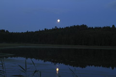 July moon_2011_07_17_0004 (FarmerJohnn) Tags: cloud moon lake reflection water night clouds canon suomi finland july calm silence midnight moonlight vesi kuu y laukaa 24105 1635 jrvi pilvi keskinen heinkuu tyyni keskiy kuutamo valkola vedenpinta hiljaisuus julymoon lakesurface canon7d heijatus anttospohja juhanianttonen