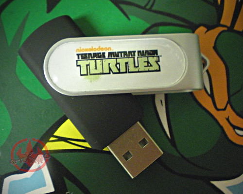 "Nickelodeon's Teenage Mutant Ninja Turtles ""Mutation in Progress"" :: USB flash drive ii (( 2011 ))"