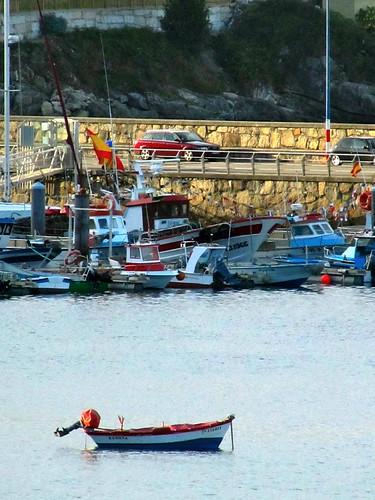 Barquita en el puerto by JoseAngelGarciaLanda