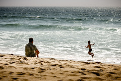 Pai e Filho (eloysil69) Tags: ocean praia canon father son e brincar moment pai filho oceano 60d eloysil69