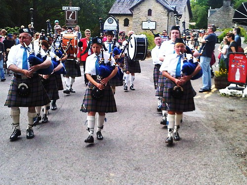 Callendar Pipe Band at Killin