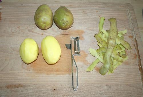 23 - Kartoffeln schälen