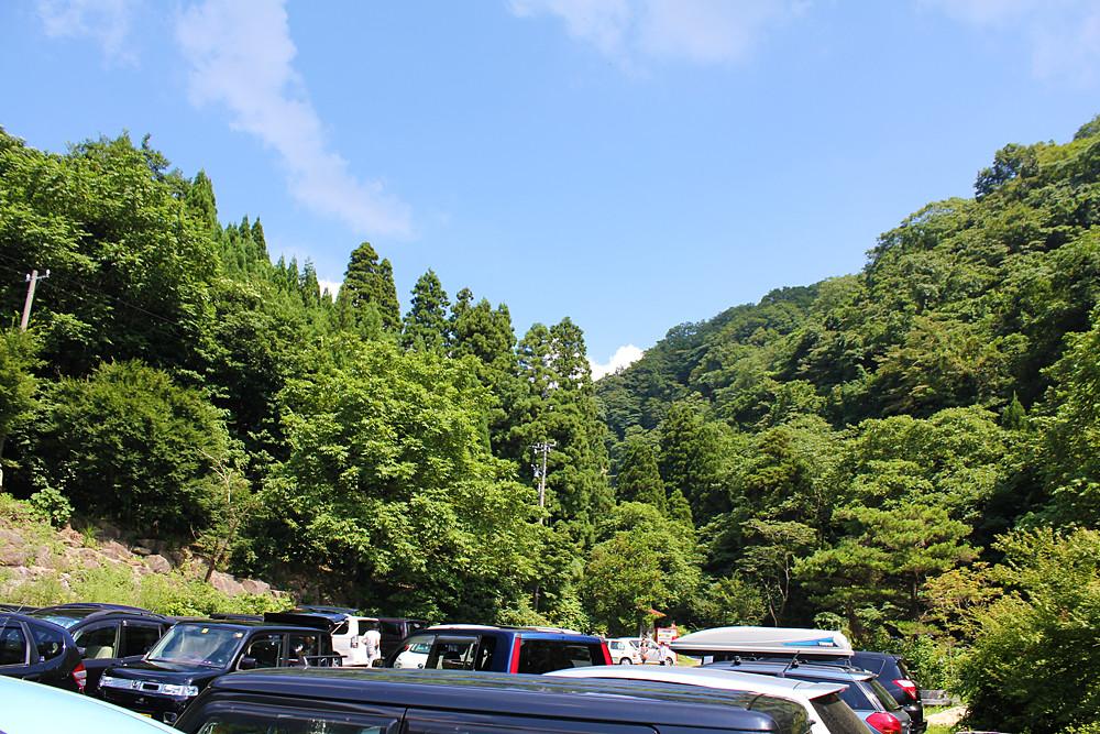 大滝の駐車場