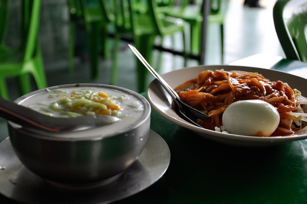 "Cendol and Rojak Cendol 當地的特色冰品""珍露"" 和 马来辣沙拉""囉喏"" ..."