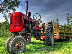 Apple Tractor (Hubert Simon Photo) Tags: tractor apple orchard