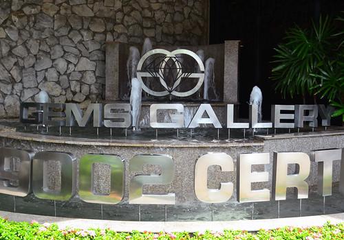 6 gems gallery
