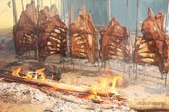 Bom domingo  a todos!!!!!!!! (Dircinha -) Tags: brazil food southamerica paran brasil canon fire comida bbq alimento delicious curitiba charcoal barbecue ribs grilled fogo delicioso churrasco skewers amricadosul espetos groundfire brasa suldobrasil southernbrazil churrasquinho costelo fogodecho churrascao dircinha churrascogacho barbequegauchocostelo comidatradicionaldoriograndedosul traditionalfoodofriograndedosul cowsribs