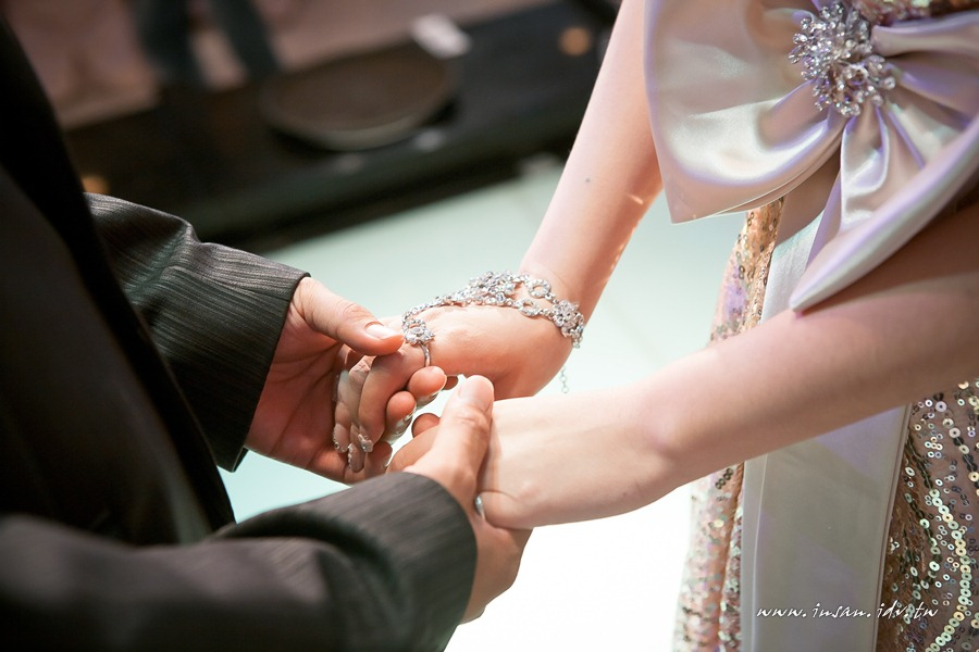wed110529_0802