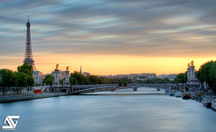 Sunset (A.G. Photographe) Tags: longexposure bridge sunset bw france tower seine gris nikon tour eiffeltower 110 eiffel toureiffel ag pont 28 nikkor pniche alexandre 70200 quai franais hdr pontalexandre anto couchdesoleil 70200mm filtre photographe xiii alexandreiii expositionlongue poselongue neutre vrii hdr1raw bw110 d700 antoxiii agphotographe aboveandbeyondlevel1