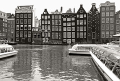 Amsterdam (Globetreka) Tags: travel blackandwhite holland amsterdam architecture buildings europe european cityscape cities canals impact lonelyplanet flickraddicts finegold globetrekkers allwelcome visittheworldthetravelguide europeeuropa 100perfect clikclak europeinpictures flickraward5 travellingwithfriends nightandmorningonflickr travellingineurope groupwithexperience opeantravel iphotohobylevel1 glickrr