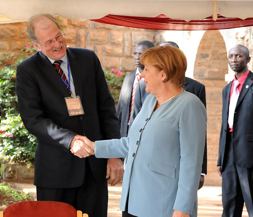 Merkel visits ILRI Nairobi: Carlos Seré thanks the Chancellor
