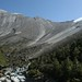 A Enorme rocha Paung Danda...