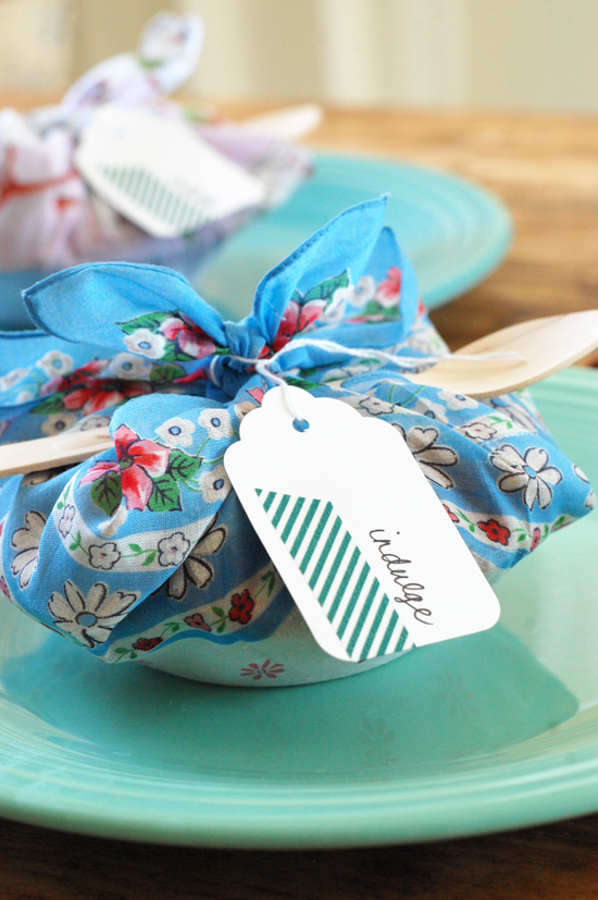 petite pie party favor