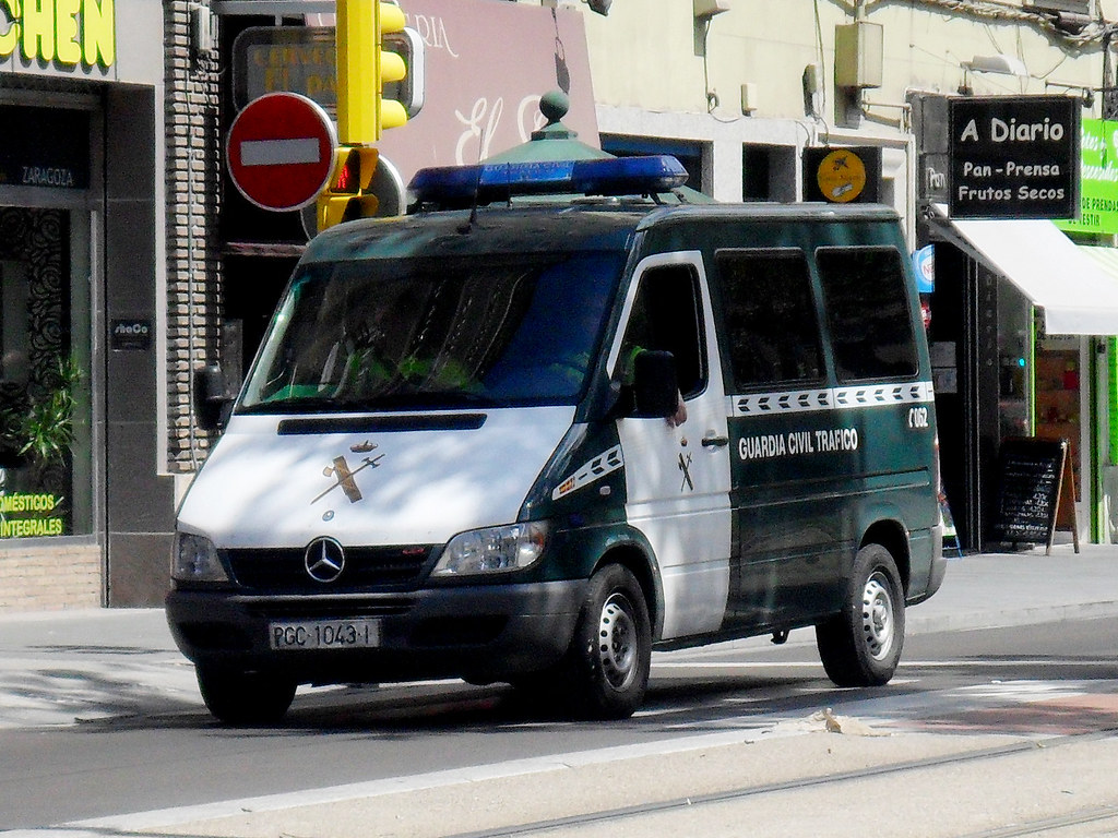 The world 39 s best photos of atestados and local flickr - Guardia civil trafico zaragoza ...