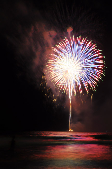 web_fireworks_patriotic_0116