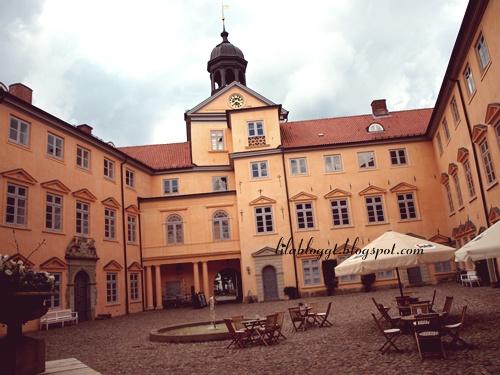 schlossplatz by LilaBloggt