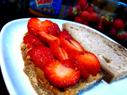 strawberrypbsandwich