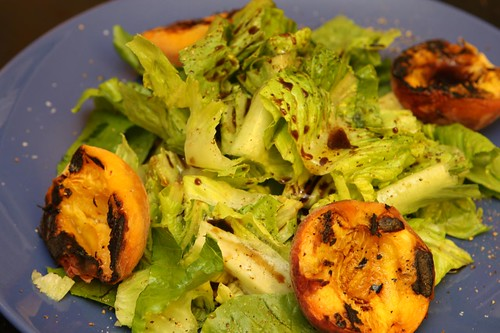 Grilled Peaches with Romaine and Balsamic