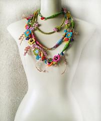 Faz parte da COLEÇÃO VERÃO 2012 (aline conde - RiCiCLaGGiO) Tags: colarartesanal bijouxarteansl