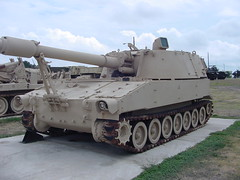 M109 155mm Self-Propelled Howitzer (rjl6955) Tags: self texas 2006 propelled m109 killeen howitzer forthood 155mm