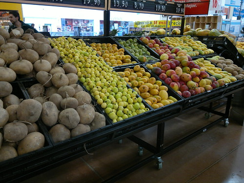 Jícamas, 3 kinds of mangoes, prickly pears, mameyes, guavas