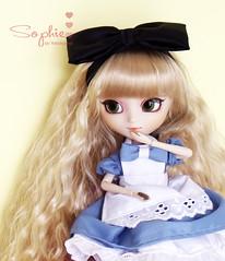 Eat Me! (Yoko ) Tags: doll alice groove pullip wonderland tiphona