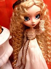 Empress Nphlie (Sweet-Hachiko) Tags: japan greek doll princess antique goddess grecian groove pullip blanche grecque