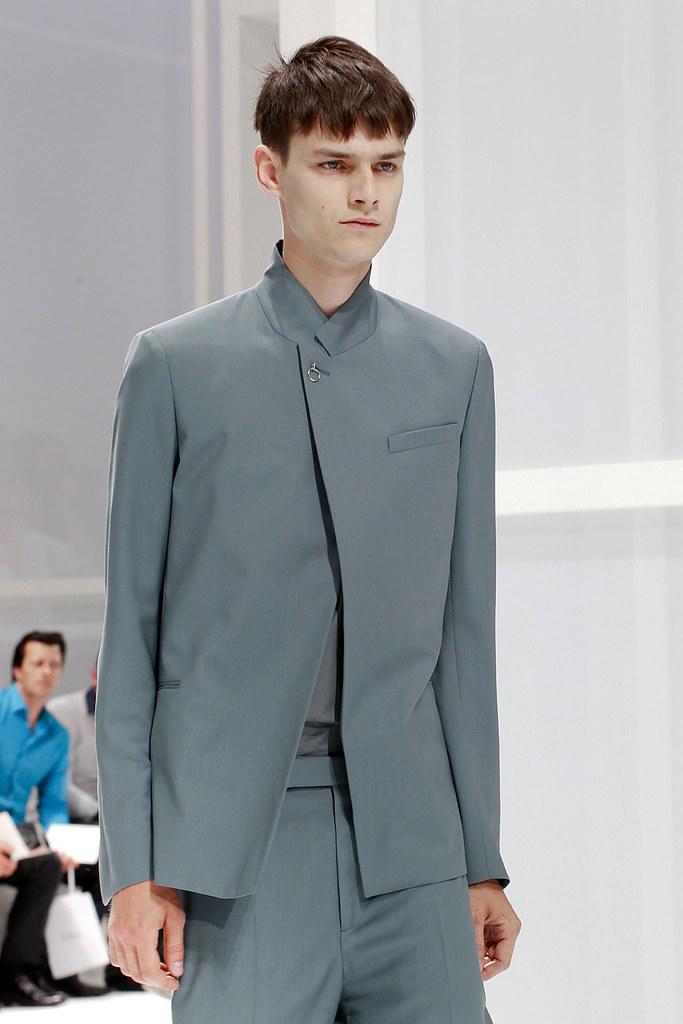 Douglas Neitzke3342_SS12 Paris Dior Homme(VOGUEcom)