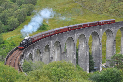 Jacobite steam train, Glenfinnan viaduct