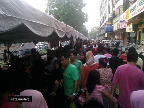 Bazar Ramadhan Kledang, Ipoh by Fadzioriq