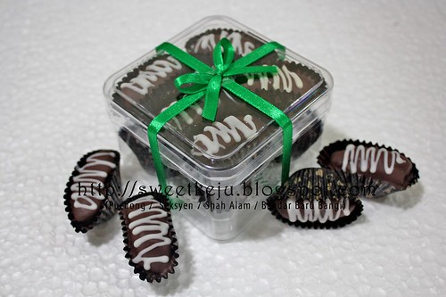 10pcs with Ribbon  Gift Set - Kurma Choc Badam