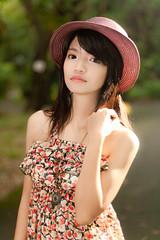 [フリー画像] 人物, 女性, アジア女性, 帽子・キャップ, 201109011500