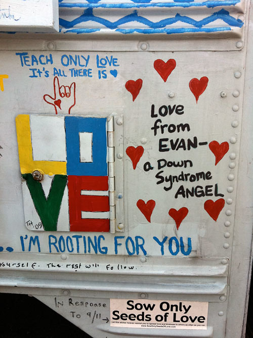 kindness-bus-love