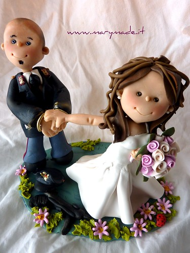 cake topper poliziotto, un marymade di mary tempesta, su Flickr