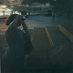 Photographer girlfriend (Wastinglife [Stranger in a strange land]) Tags: sea photo lomo lomography mare foto andrea v diana genoa genova f quarto dianaf av 120mm fotografo volpe wastinglife