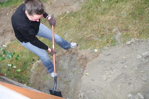 Melissa Digging
