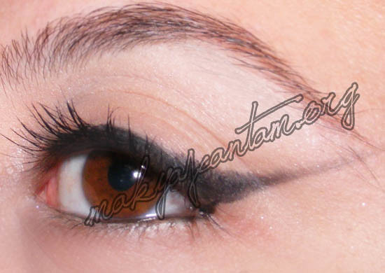 kuyruklu_eyeliner