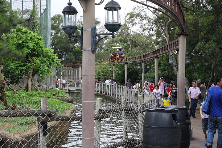 六福村動物園024