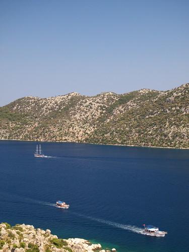 在地中海航行的船隻