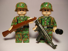 "Waffen SS Hitlerjugend ""Crack Babies"" LEGO (MR. Jens) Tags: world two germany war babies lego wwii ss crack german ww2 germans hitlerjugend waffen"