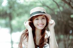 [フリー画像] 人物, 女性, アジア女性, 帽子・キャップ, 201107220300
