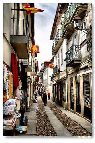 Rua Mouzinho de Albuquerque #2 by VRfoto