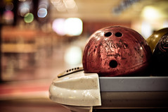 The bowling ball was shocked that I was paying more attention to the bokeh than the game. ({katesea}) Tags: ball bowling nikkor shocked 50mmf14 d90 hbw nikond90 itssuchabadinfluencesometimes onlyiwouldnoticethatthebowlingballwasmakingaface iblamemycamera