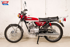 Yamaha AS3 Red 1971 5 (Yamaparts Photo) Tags: light red classic museum vintage japanese 1971 motorcycle yamaha restoration 125cc as3 yamahamotorcycle yas3 brilliantred yamaparts