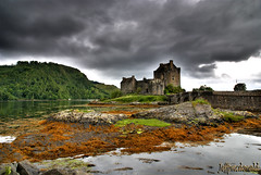 Eilean Donan Castle (Jeffpmcdonald) Tags: uk scotland eilean donan nikond80 platinumheartaward july2011 jeffpmcdonald ringexcellence dblringexcellence tplringexcellence flickrstruereflection1