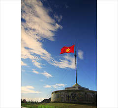 Vietnamese flag (- Naruto311 -) Tags: morning blue red sky yellow clouds canon war vietnamese flag vietnam 7d tokina1116